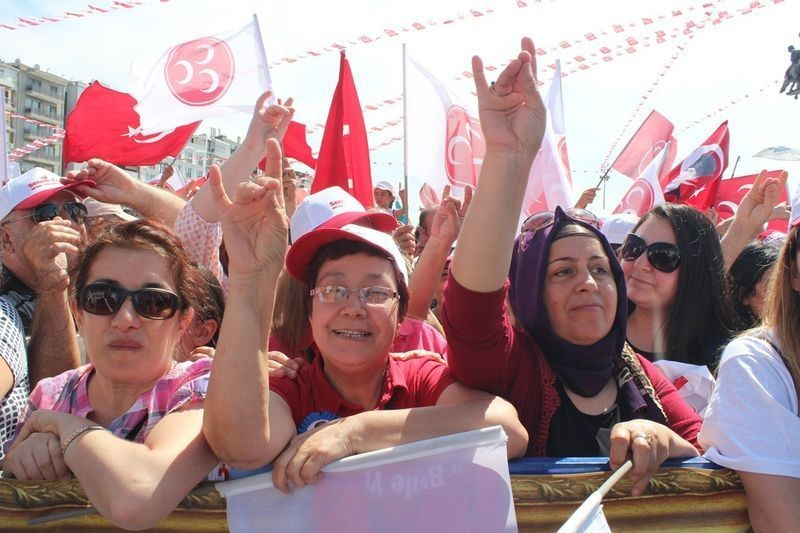MHP İzmir'de alanlara sığmadı - Foto Haber 1