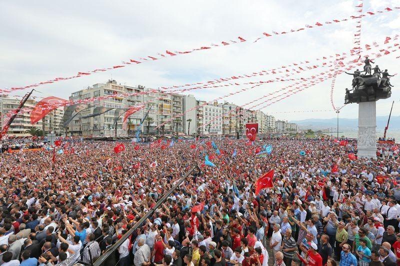 MHP İzmir'de alanlara sığmadı - Foto Haber 3