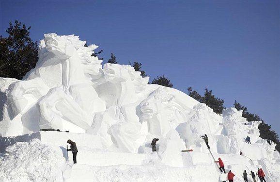 Göz alıcı kar heykeller 5