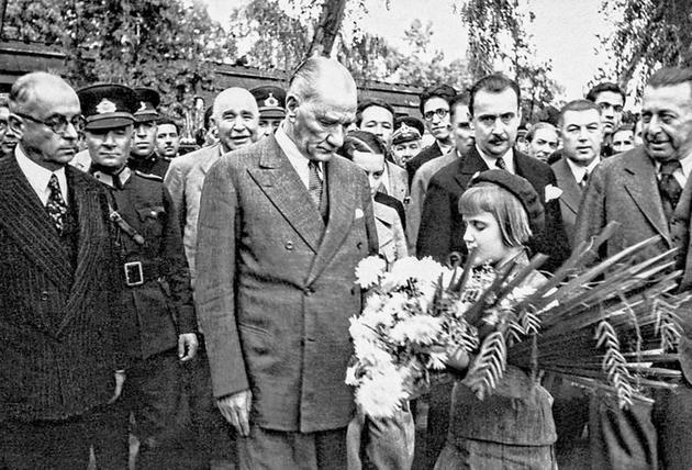 Atatürk albümü 4