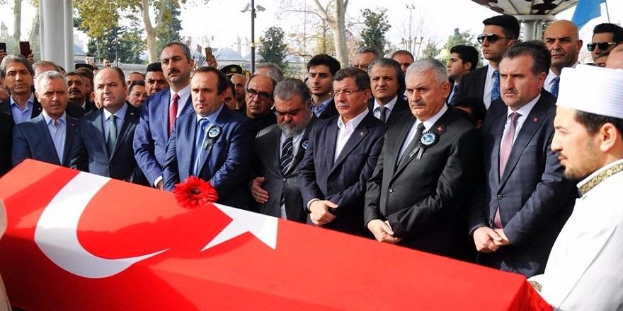 Türk bayrağını bir Yunan'a öptüren tek adam Naim Süleymanoğlu… 4