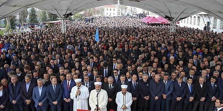 Türk bayrağını bir Yunan'a öptüren tek adam Naim Süleymanoğlu… 6