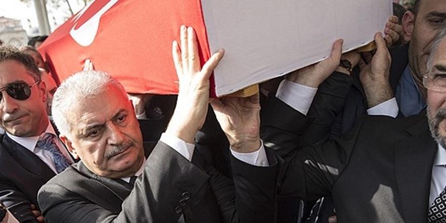 Türk bayrağını bir Yunan'a öptüren tek adam Naim Süleymanoğlu… 7