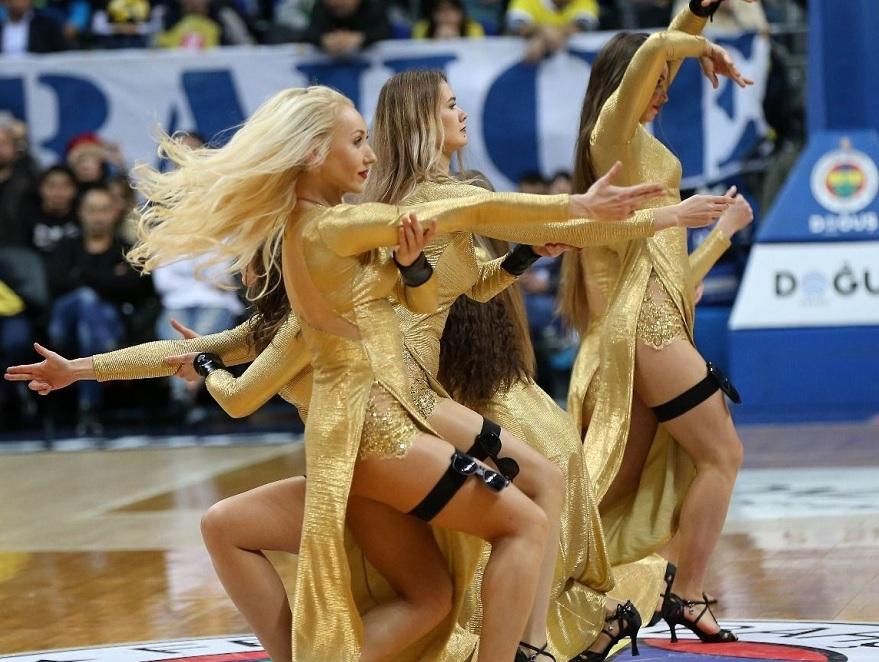 Fenerbahçe maçına damga vuran dans gösterisi 12