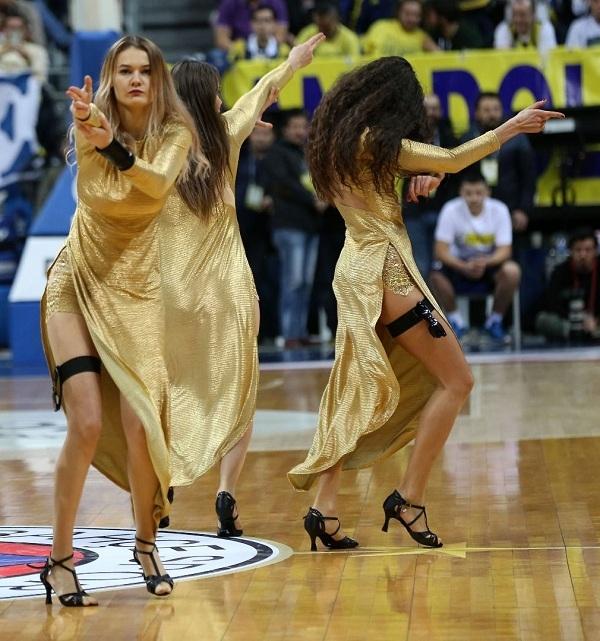 Fenerbahçe maçına damga vuran dans gösterisi 14