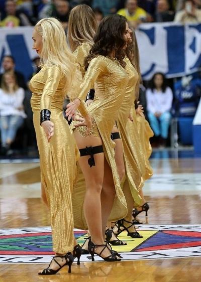 Fenerbahçe maçına damga vuran dans gösterisi 3