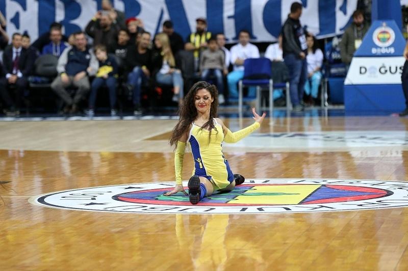 Fenerbahçe maçına damga vuran dans gösterisi 8