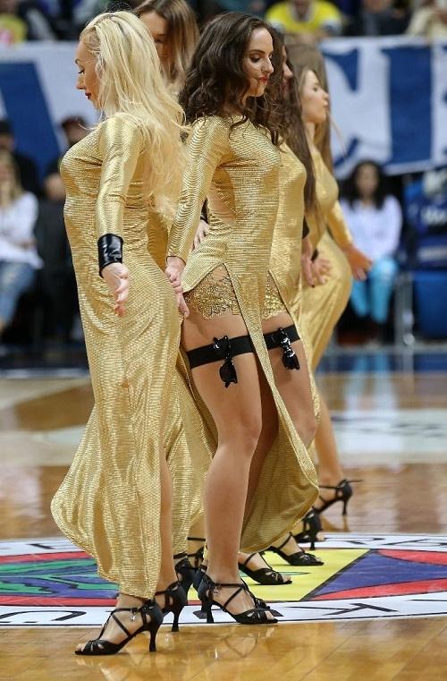 Fenerbahçe maçına damga vuran dans gösterisi 9