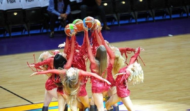 EuroBasket'in güzelleri izleyenleri büyüledi! 1