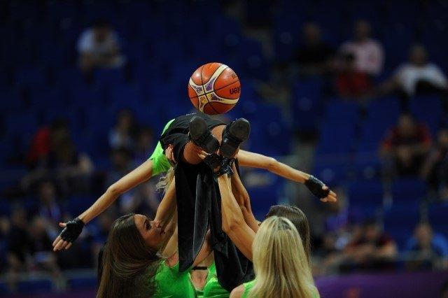 EuroBasket'in güzelleri izleyenleri büyüledi! 10