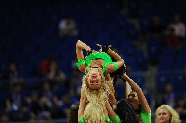 EuroBasket'in güzelleri izleyenleri büyüledi! 12