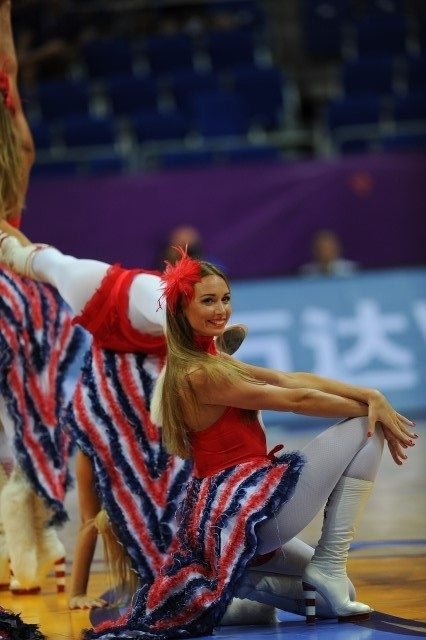 EuroBasket'in güzelleri izleyenleri büyüledi! 17