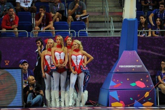 EuroBasket'in güzelleri izleyenleri büyüledi! 2