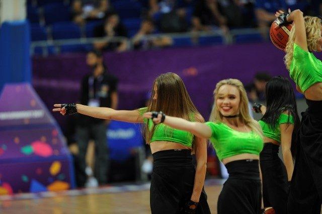 EuroBasket'in güzelleri izleyenleri büyüledi! 7
