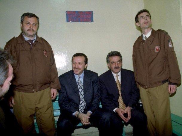 İşte Erdoğan'ın gençlik ve askerlik fotoğrafları 19