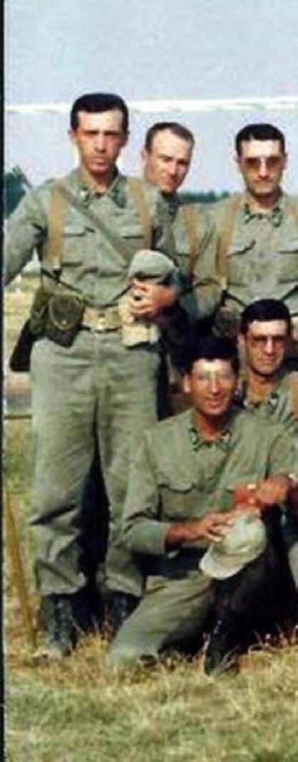 İşte Erdoğan'ın gençlik ve askerlik fotoğrafları 25