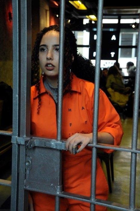 """Hapishane konseptli """"Kodes Cafe"""" açıldı 11"""