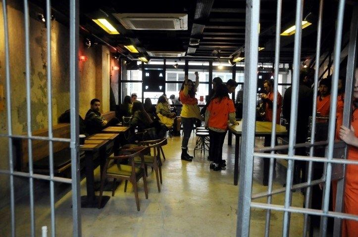 """Hapishane konseptli """"Kodes Cafe"""" açıldı 21"""