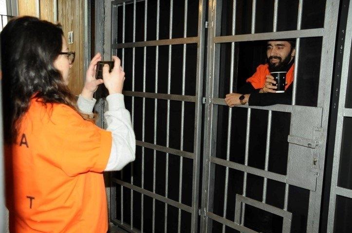 """Hapishane konseptli """"Kodes Cafe"""" açıldı 22"""