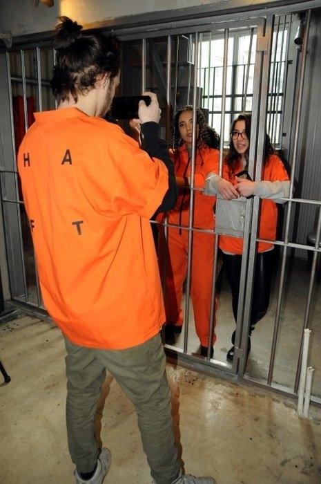 """Hapishane konseptli """"Kodes Cafe"""" açıldı 7"""