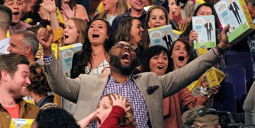 Böyle bir çılgınlık yok! Stüdyodaki seyircilere 1 milyon dolar dağıttı 1