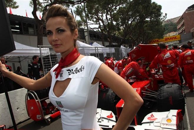 Formula-1 Kızlarına Feminizm engeli 17