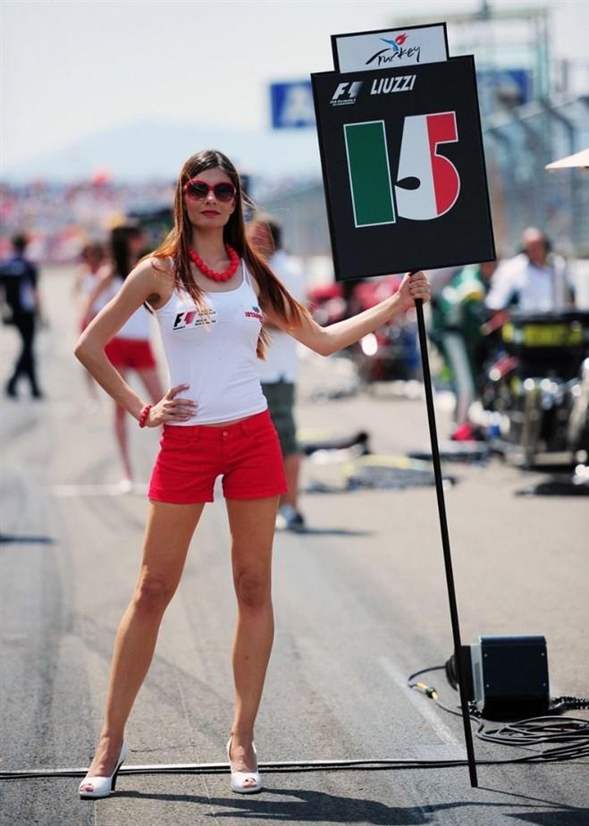 Formula-1 Kızlarına Feminizm engeli 23