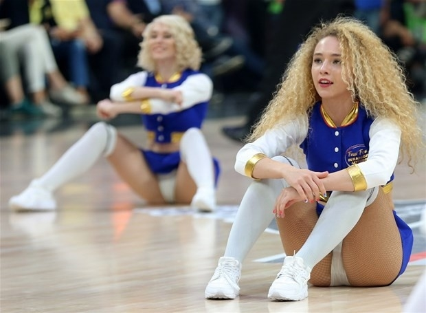 Basket maçına dans gösterisi damga vurdu 9