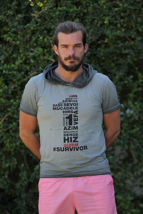 İşte Dominik'ten ilk Survivor fotoğrafları 13