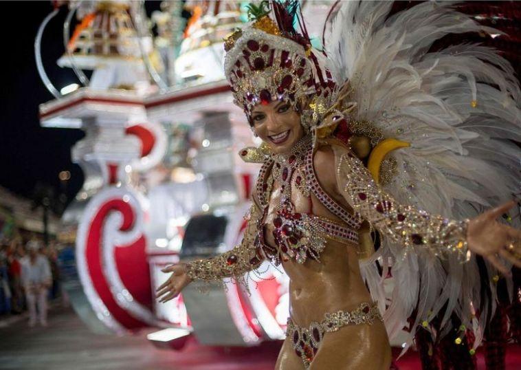 RİO Karnavalından müthiş görüntüler 13