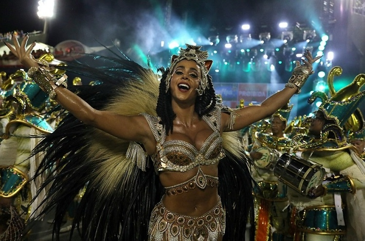 RİO Karnavalından müthiş görüntüler 23