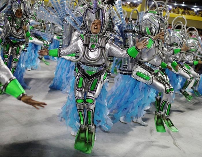 RİO Karnavalından müthiş görüntüler 37