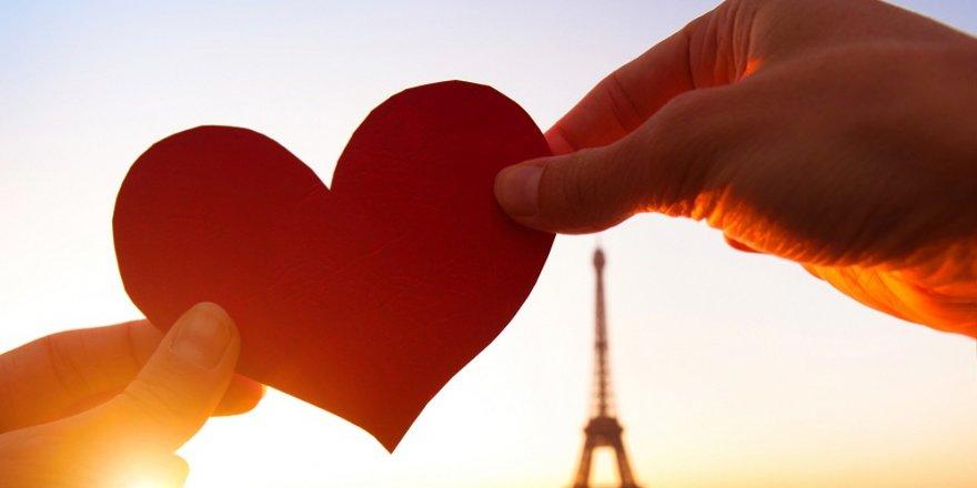 Ünlüler 'Sevgililer Gününü' nasıl kutladı?