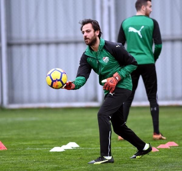 Çukur'un 'Vartolu Sadettin'i Bursaspor'a transfer oldu 6