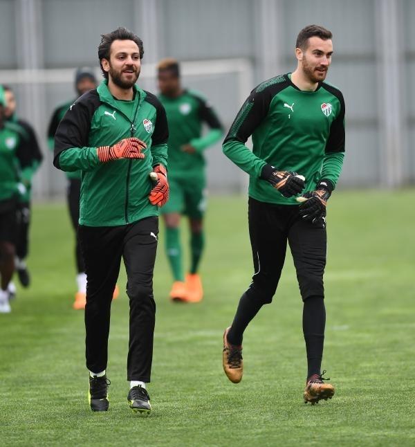 Çukur'un 'Vartolu Sadettin'i Bursaspor'a transfer oldu 7