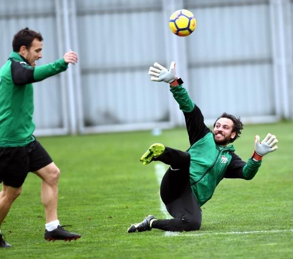 Çukur'un 'Vartolu Sadettin'i Bursaspor'a transfer oldu 8