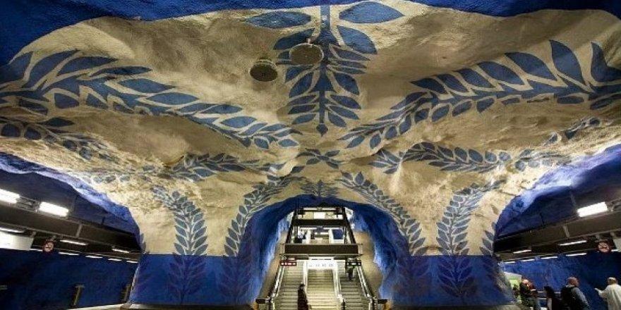 İşte tasarımlarıyla büyüleyen metro istasyonları
