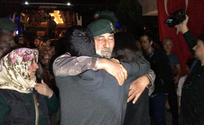 Afrin kahramanı PÖH'ler böyle karşılandı 12