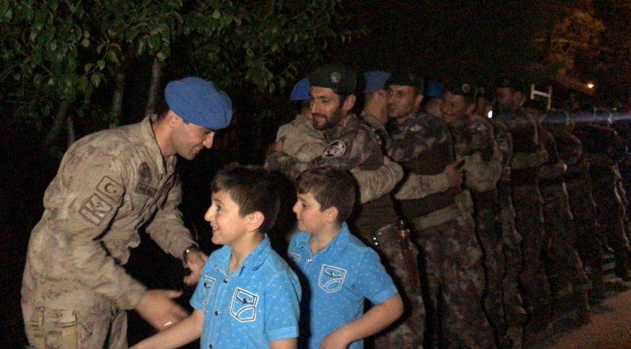 Afrin kahramanı PÖH'ler böyle karşılandı 14