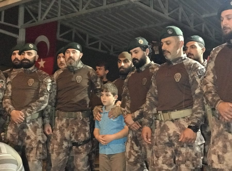 Afrin kahramanı PÖH'ler böyle karşılandı 15