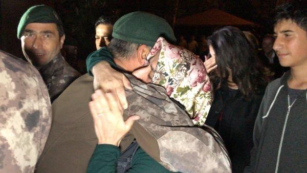 Afrin kahramanı PÖH'ler böyle karşılandı 17