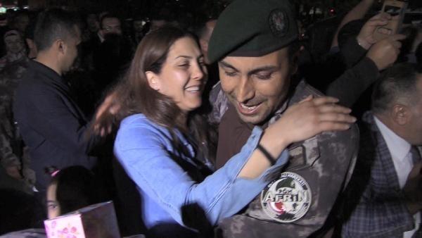 Afrin kahramanı PÖH'ler böyle karşılandı 19
