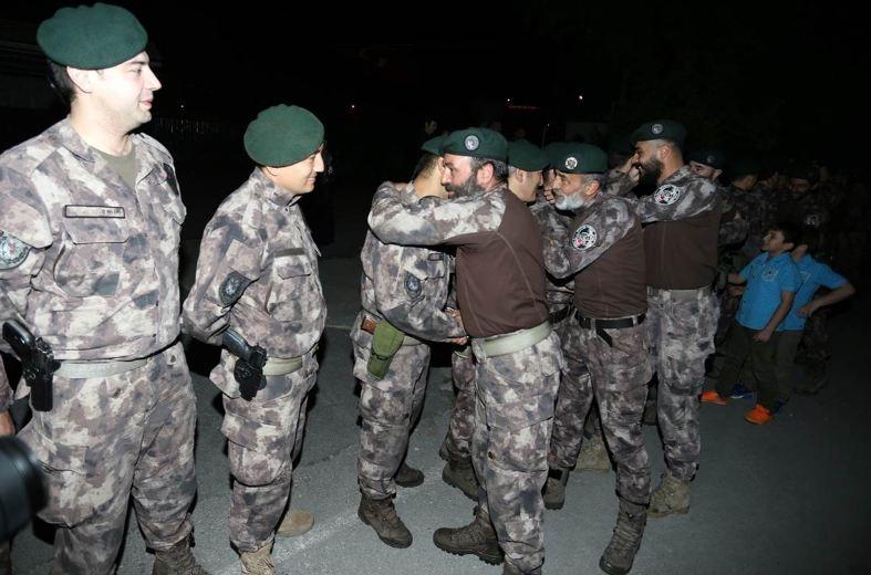 Afrin kahramanı PÖH'ler böyle karşılandı 23