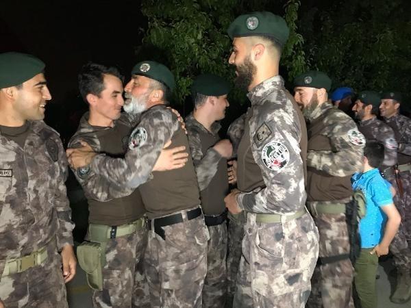 Afrin kahramanı PÖH'ler böyle karşılandı 25