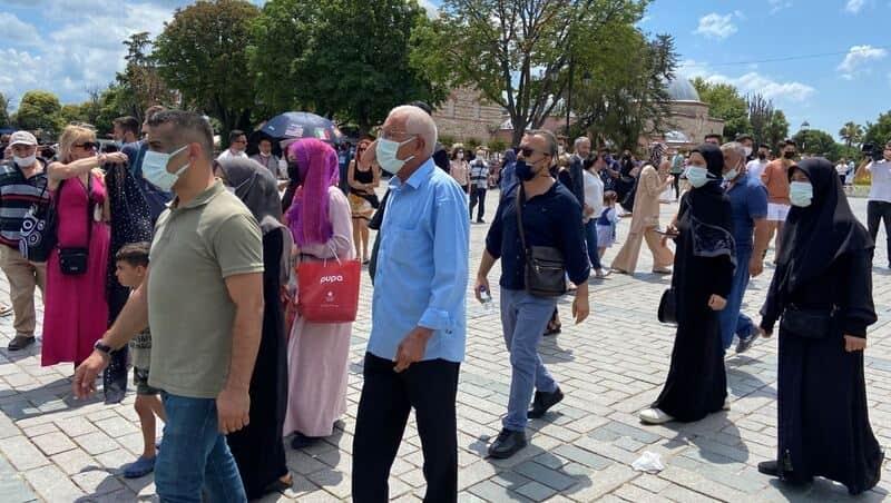 Ayasofya'ya Kebir açılışın yıl dönümünde ziyaretçi akını 1