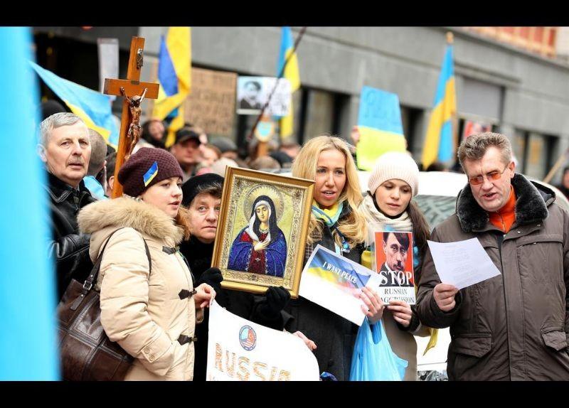 Kırım Türkleri ABD'de Rusya'yı Protesto etti 16