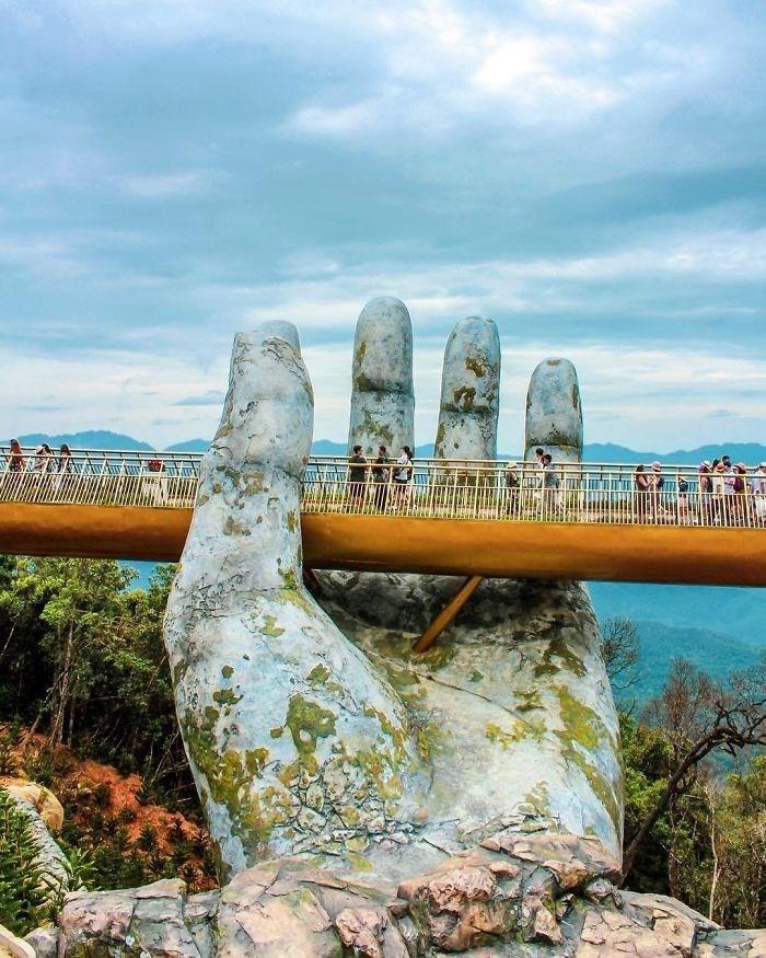 Yer ile gök arasında: Vietnam'daki Altın Köprü 17