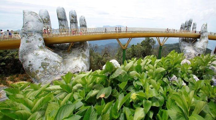Yer ile gök arasında: Vietnam'daki Altın Köprü 7