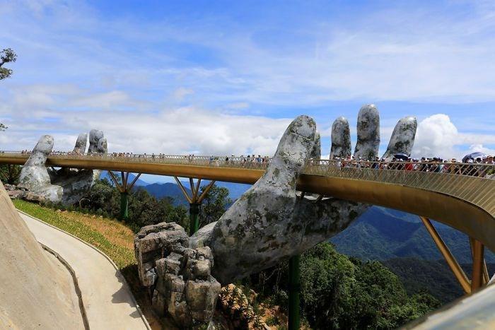 Yer ile gök arasında: Vietnam'daki Altın Köprü 8
