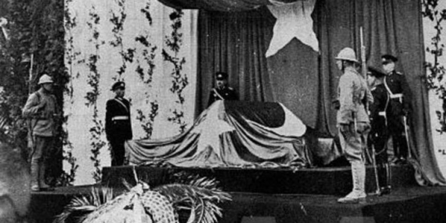 Ölümünün 80. Yıldönümü'nde Az Görülen Atatürk Fotoğrafları